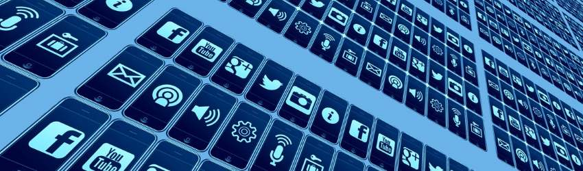 schermo azzurro, blu e bianco con icone di internet