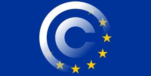 Direttiva Europea Copyright: simbolo del copyright fuso con la bandiera europea